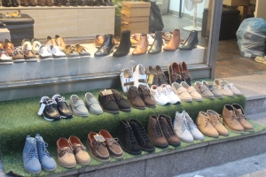 Variety of excellent shoes made in Seoul.