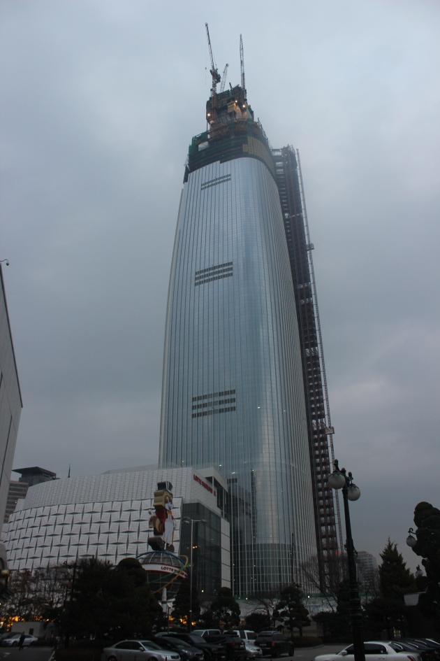 The towering Lotte World Mall is visible from just about anywhere in Gangnam.