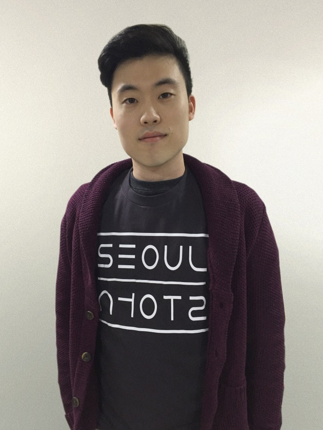 "The Seoul T-shirt features ""Seoul"" in both Roman and Hangul scripts in a strikingly modern manner."