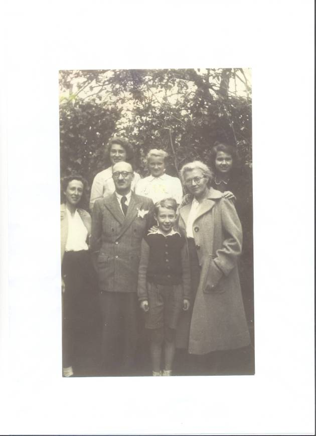 My maternal Grandfather Louis Rouff and his wife, my Grandmother Catherine, surrounded by their children.